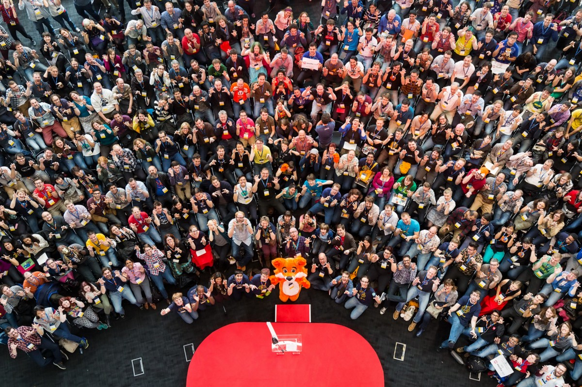 An overhead image of the MozFest community.