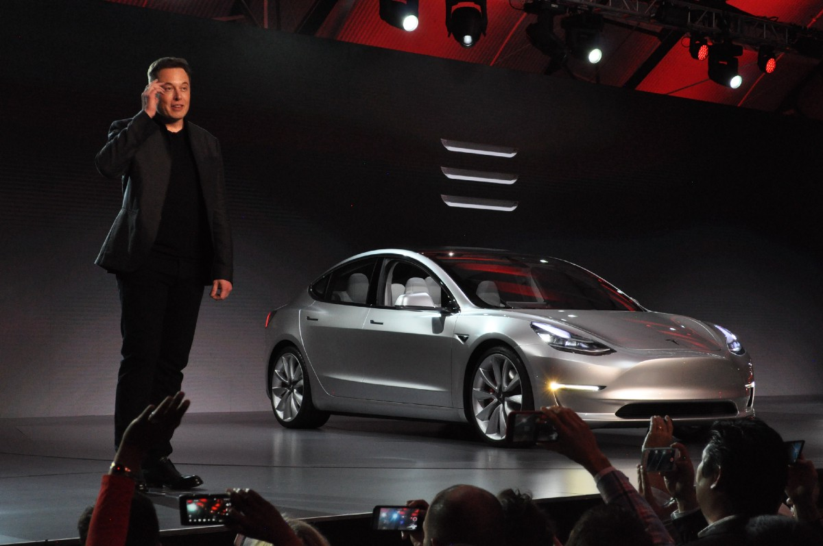 Tesla's New Car Smell - Monday Note