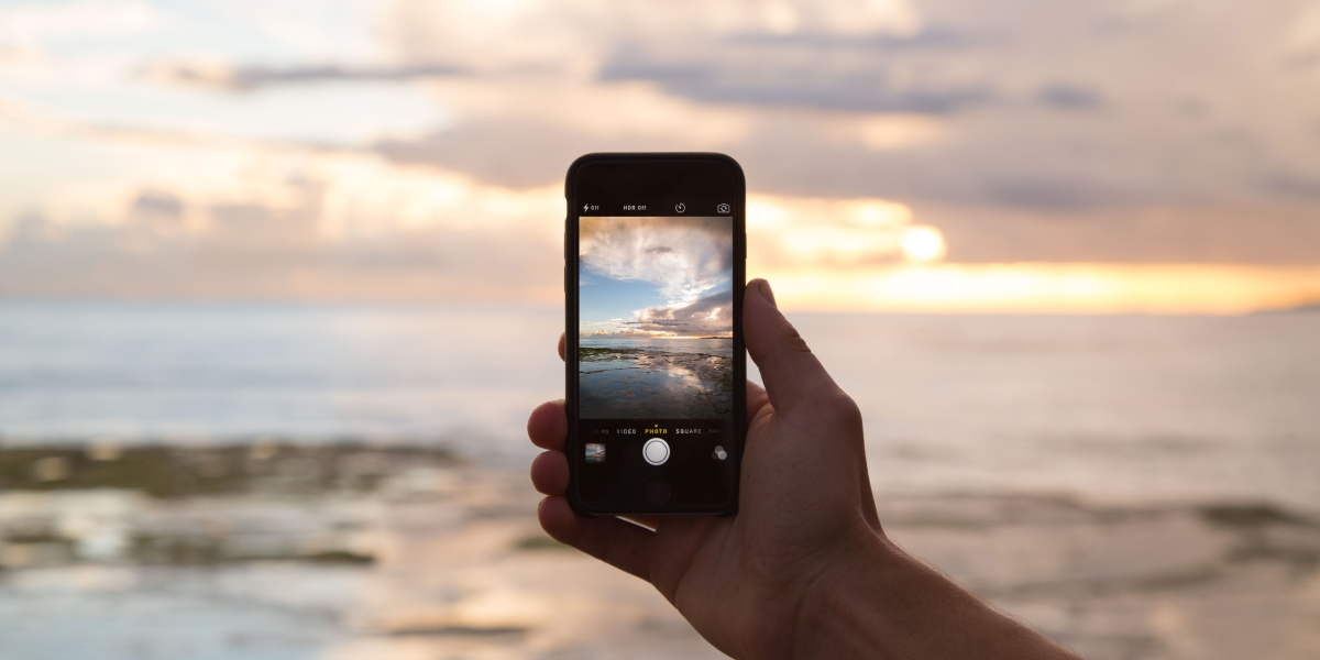 Modern mobile app development features and requirements