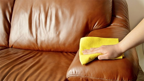 Clean leather furniture without chemicals