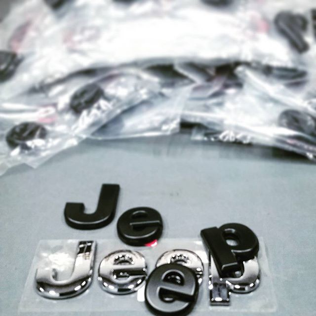 2 Minute Black Jeep Emblems — The Cheapest, Quickest, and
