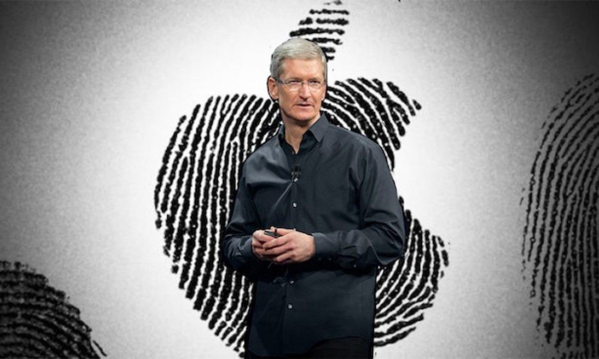 Once upon a time, Apple offered an easy-to-understand business model. The company made personal computers, small, medium, and large. Successfully posi