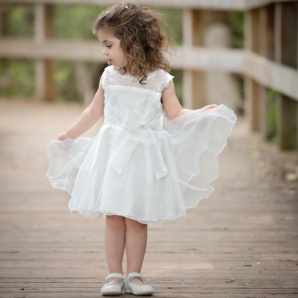 Get Trendy Dresses for Your Baby Girl From Sara Clothes Online