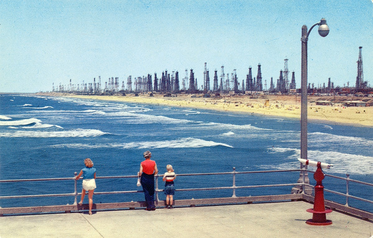 Photos: Dark beauty in the oil fields of old Southern California