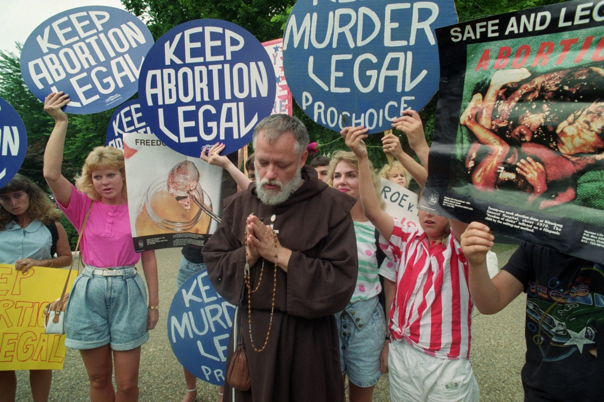 While abortion doctors were being killed, pro-lifers prayed in support of the attackers