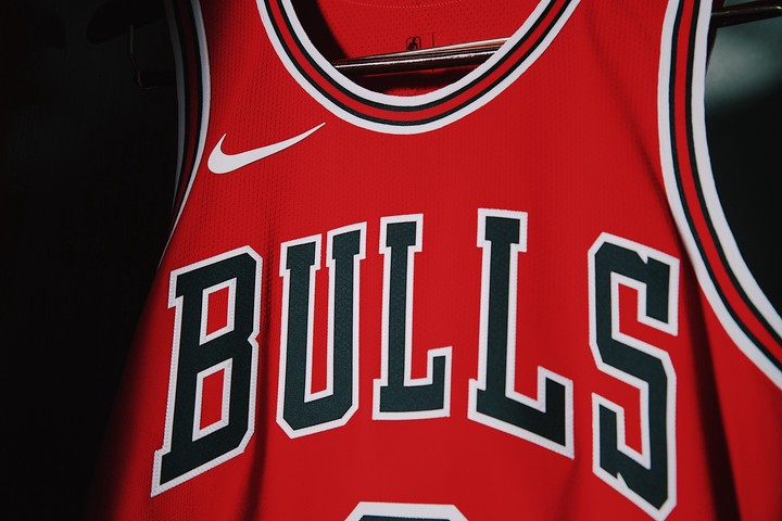 big sale 88c41 ffc23 Bulls Unveil New Uniforms; Colors Switched - Chicago Bulls ...