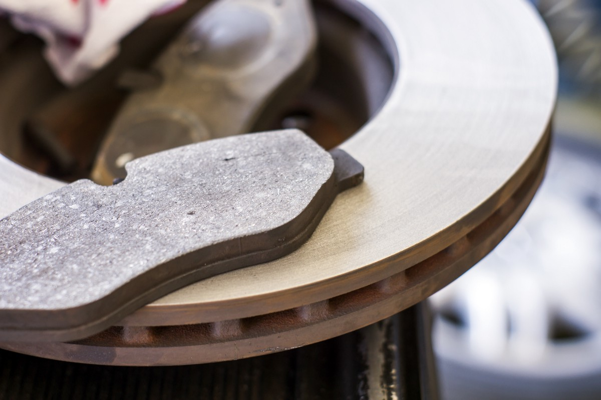 Ceramic Vs Metallic Brake Pads >> Ceramic Vs. Semi-Metallic Brake Pads - Hogan & Sons Tire ...