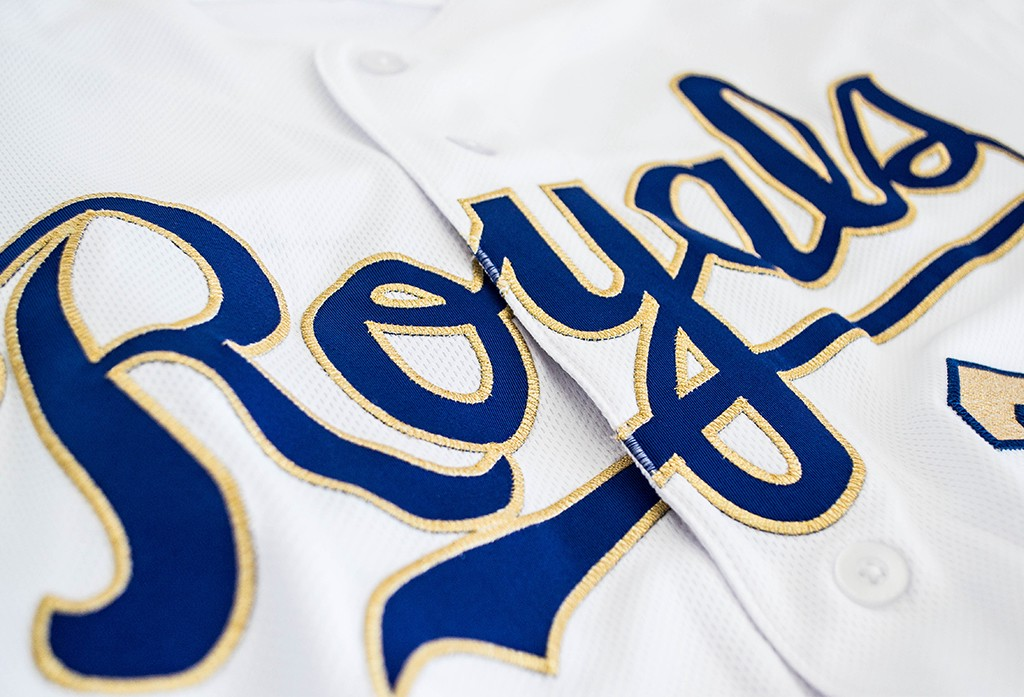 reputable site f8c51 b8e8a Royals Revise Golden Threads Jerseys & Caps for 2017