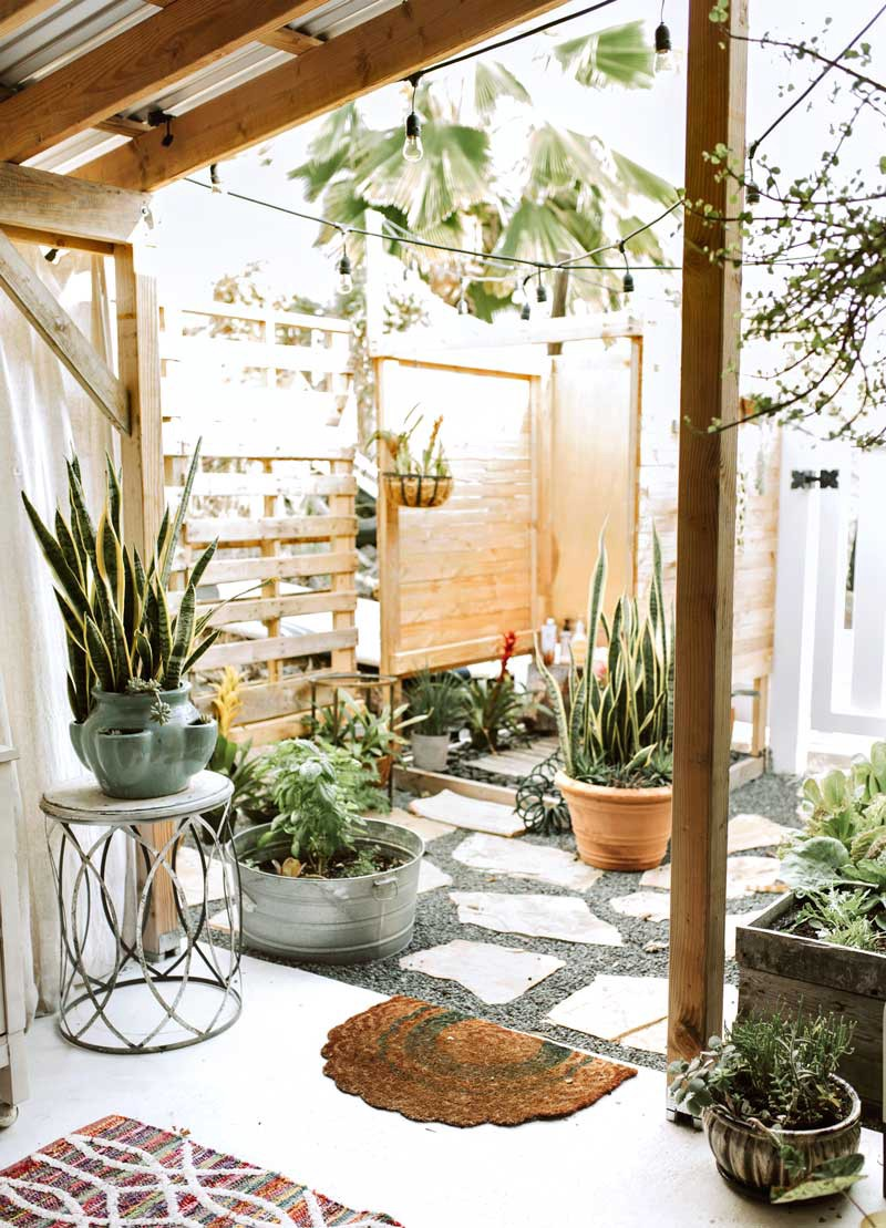 Enjoyable Four Plants To Spruce Up Your Airbnb Airbnb Magazine Medium Download Free Architecture Designs Scobabritishbridgeorg