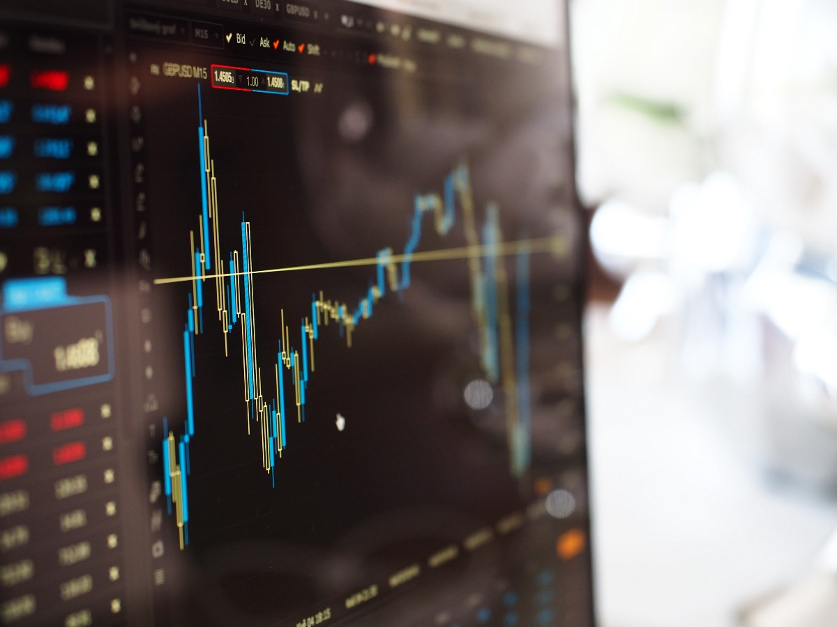 A simple deep learning model for stock price prediction
