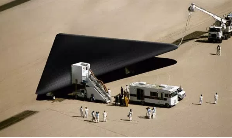 US Government Hides an Anti-Gravity Fleet with Extraterrestrial