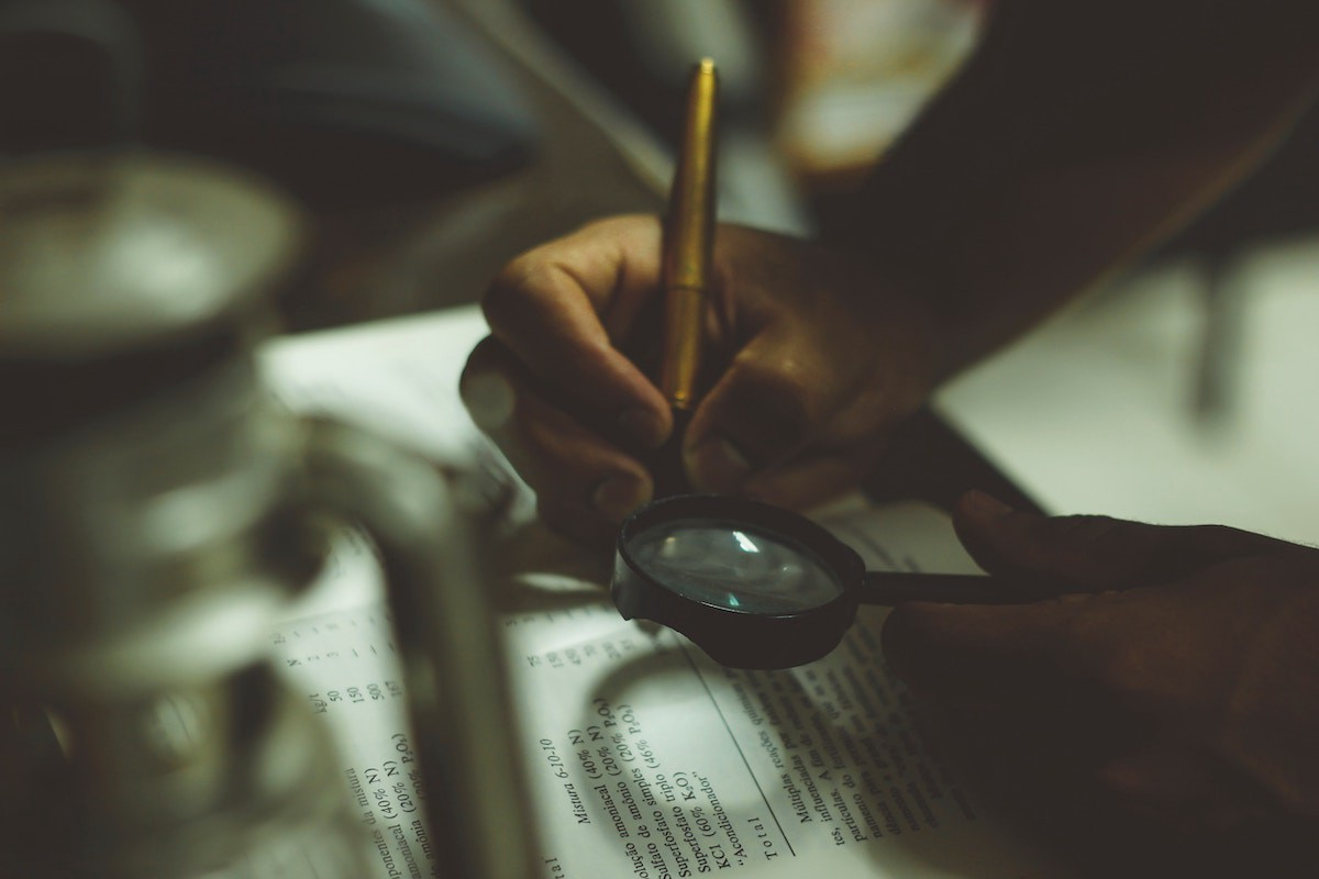 7 Ways Thinking like a Detective Will Make You Smarter