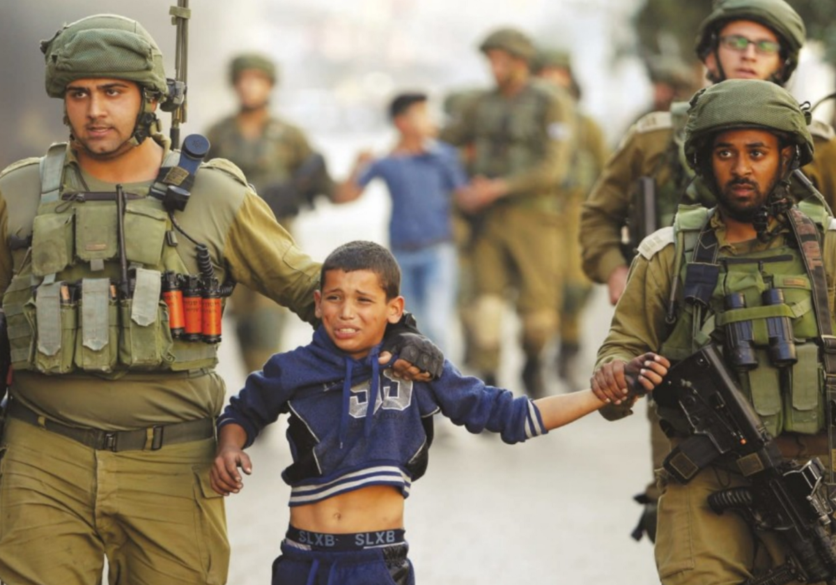 of female israeli soldiers in underwear and combat