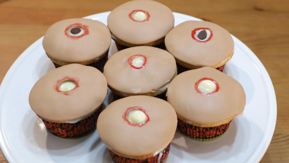 How to Make Pimple Popping Cupcakes for Halloween - Matt Taylor - Medium