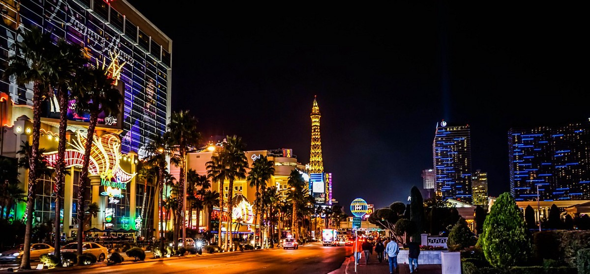 Here is How to Book Cheap Flights to Las Vegas