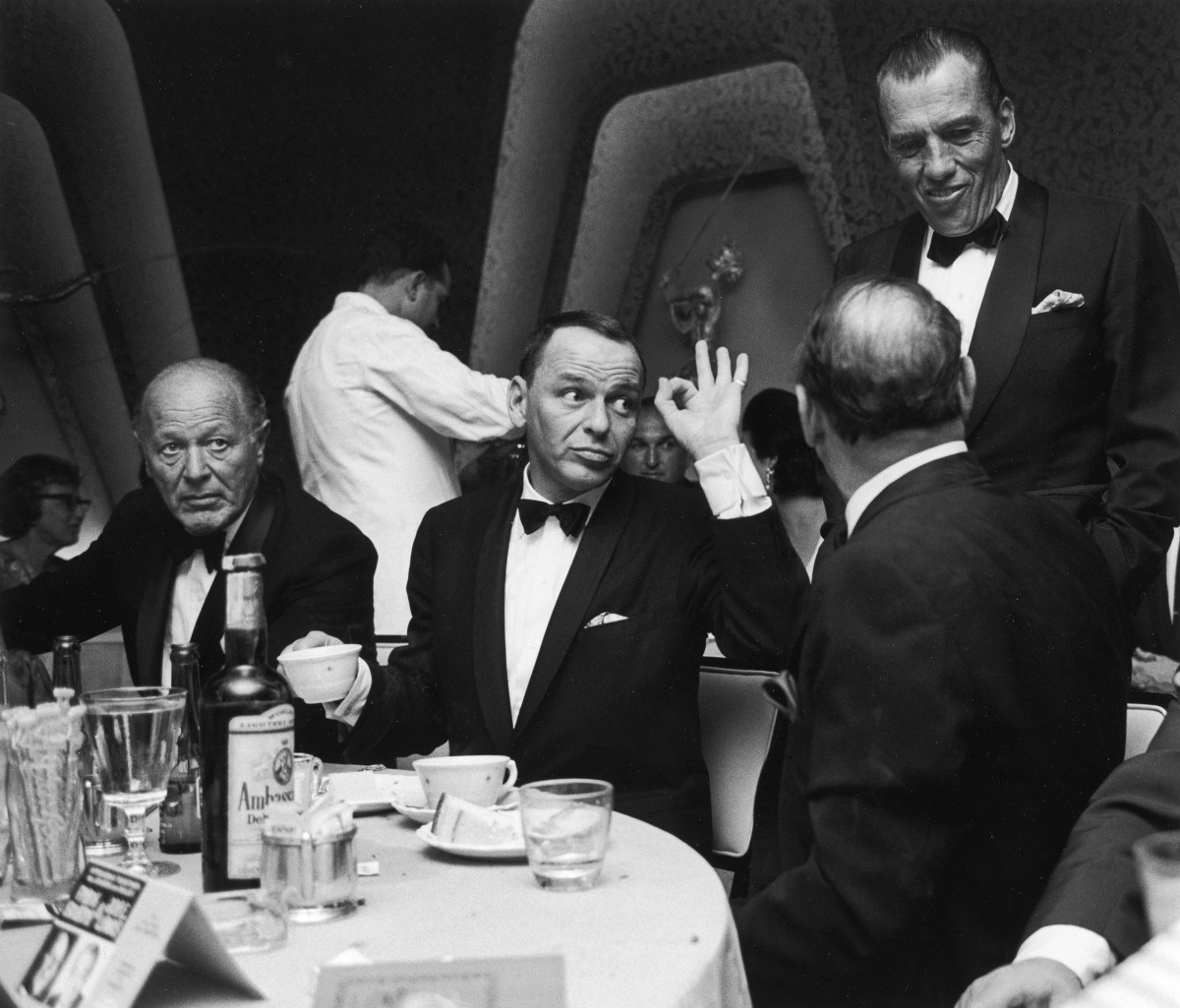 These super cool pictures show Frank Sinatra at his best in 1960s Miami