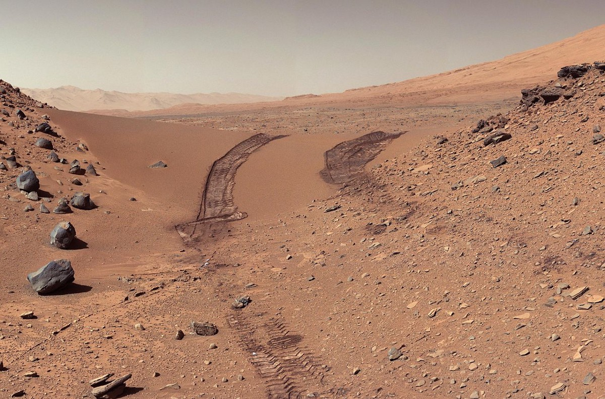 The Red Color Of Mars Is Only Millimeters Thick