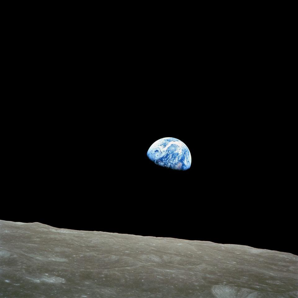 Ask Ethan: How bright is the Earth as seen from the Moon?