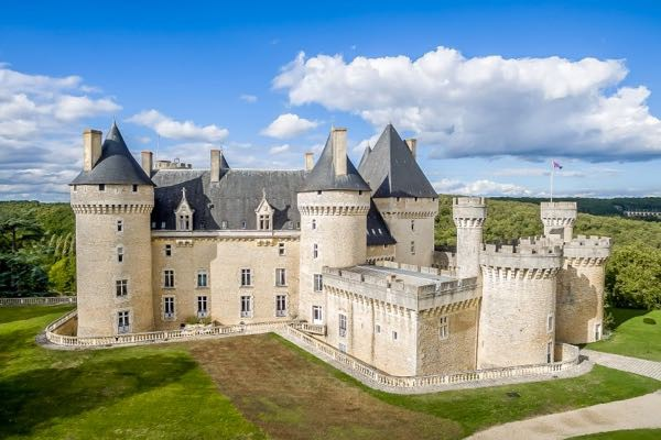 30 Lavish Castles You Can Buy Right Now By Ooshot Medium