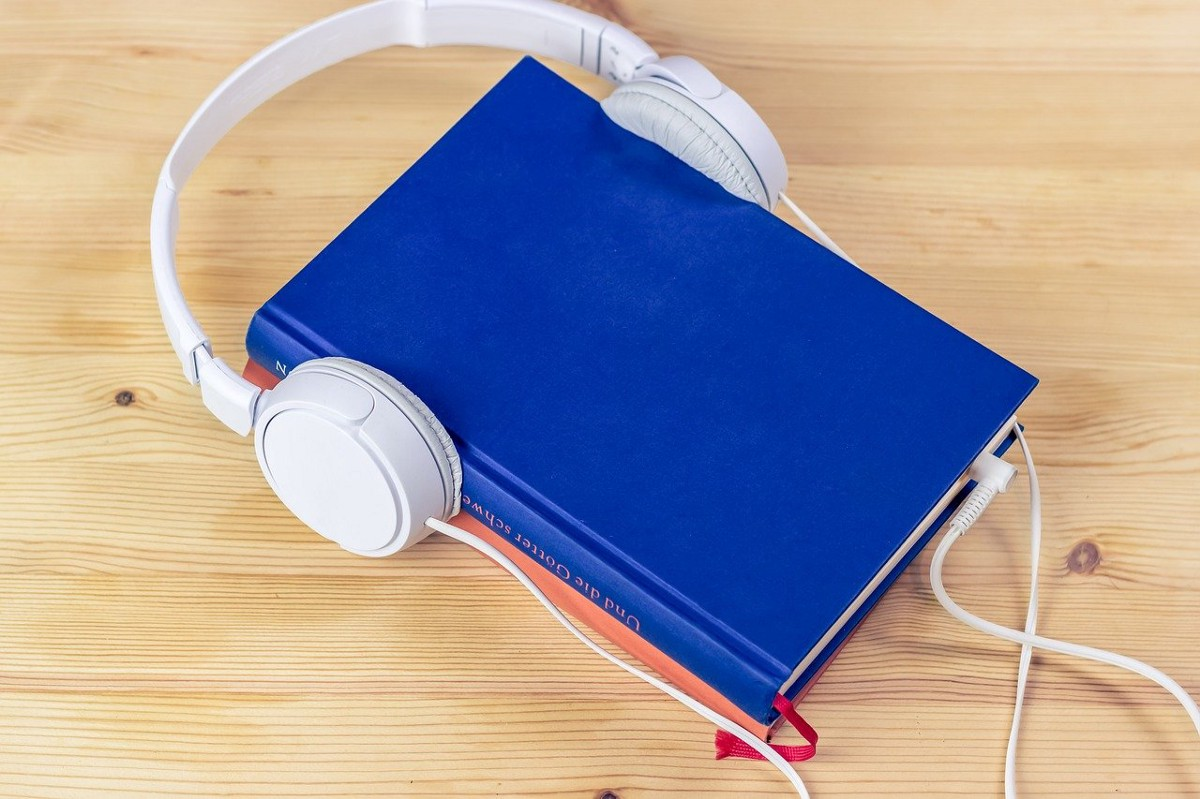 Build your own Audiobook in 7 lines of Python Code