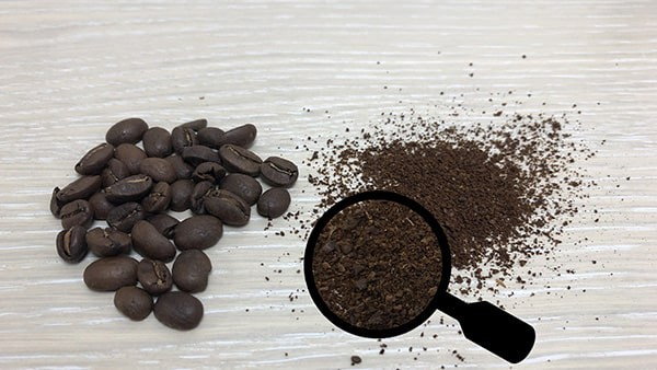 Grind coffee beans with manual salt and pepper grinder