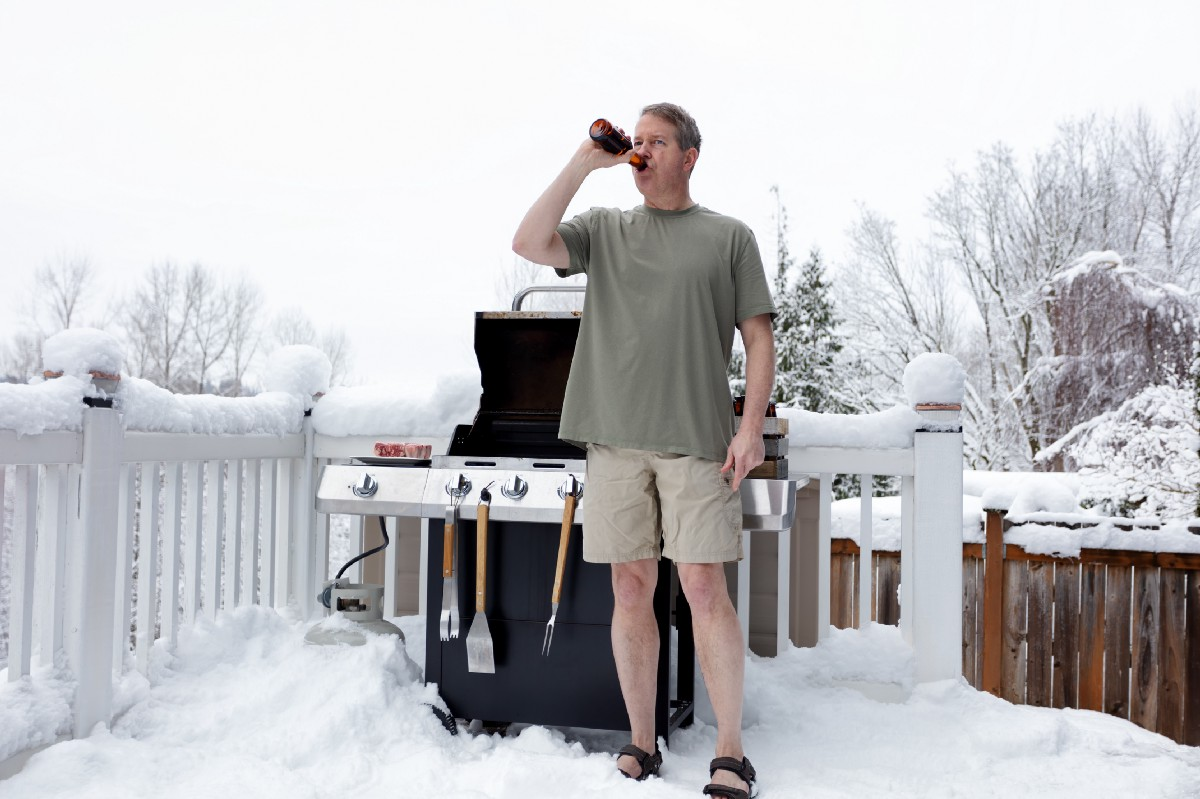 A Guide to Maintaining Your Manliness When Cold
