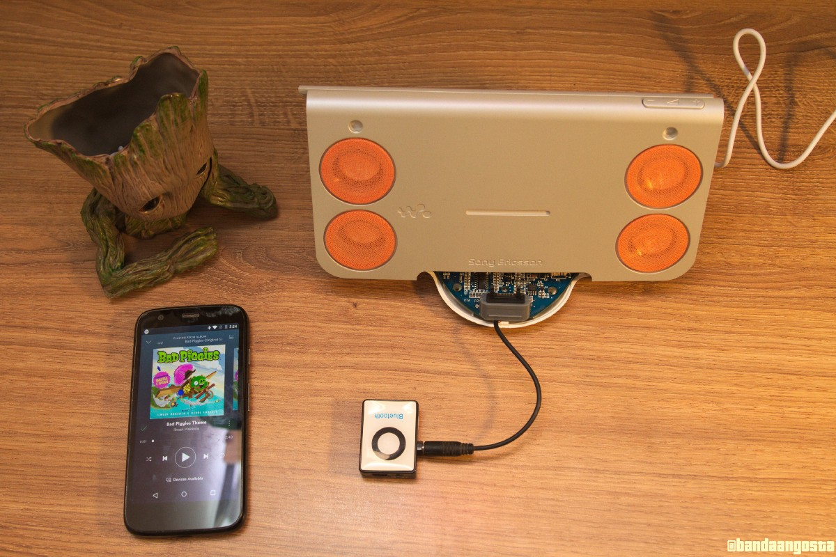 Hacking the Sony Ericsson MDS-60 speakers (part 1