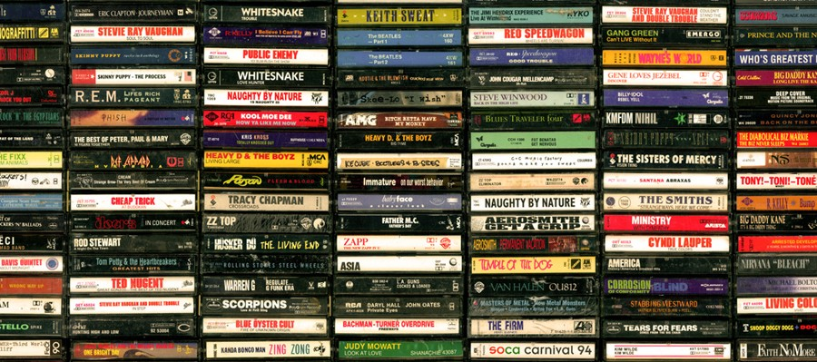 How to Listen to a Music Album the Old School Way : No Shuffling!