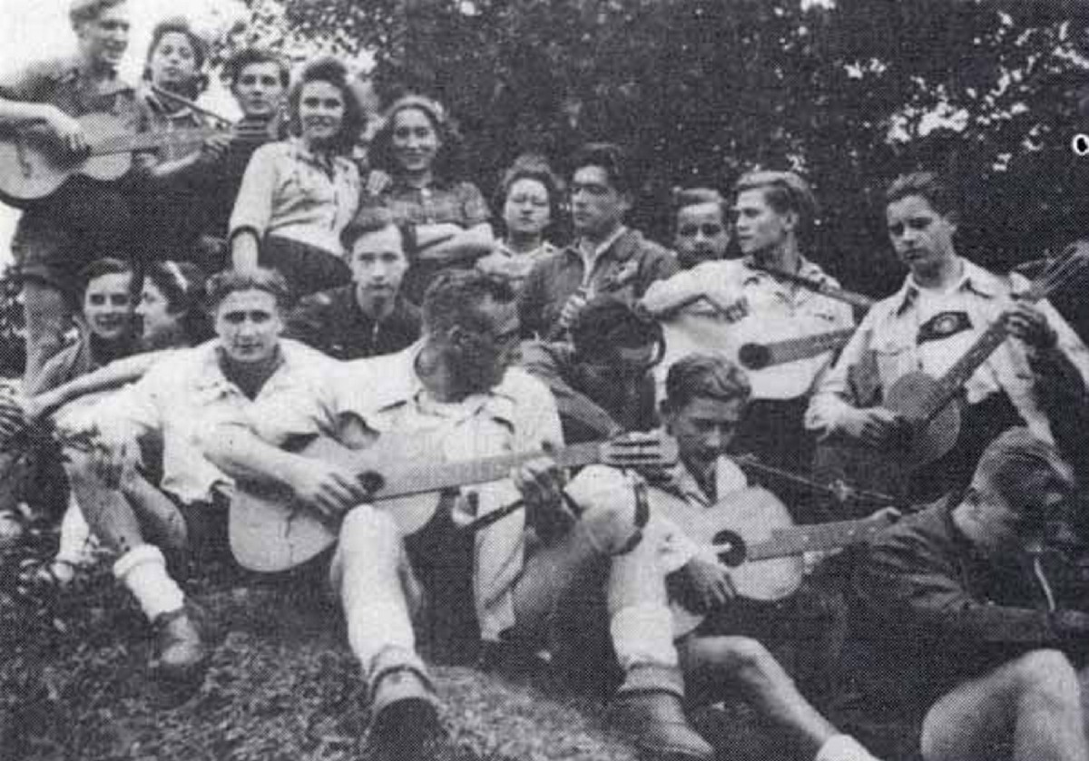 These rebellious teens resisted the Nazis by beating up Hitler Youth, and some paid with their…