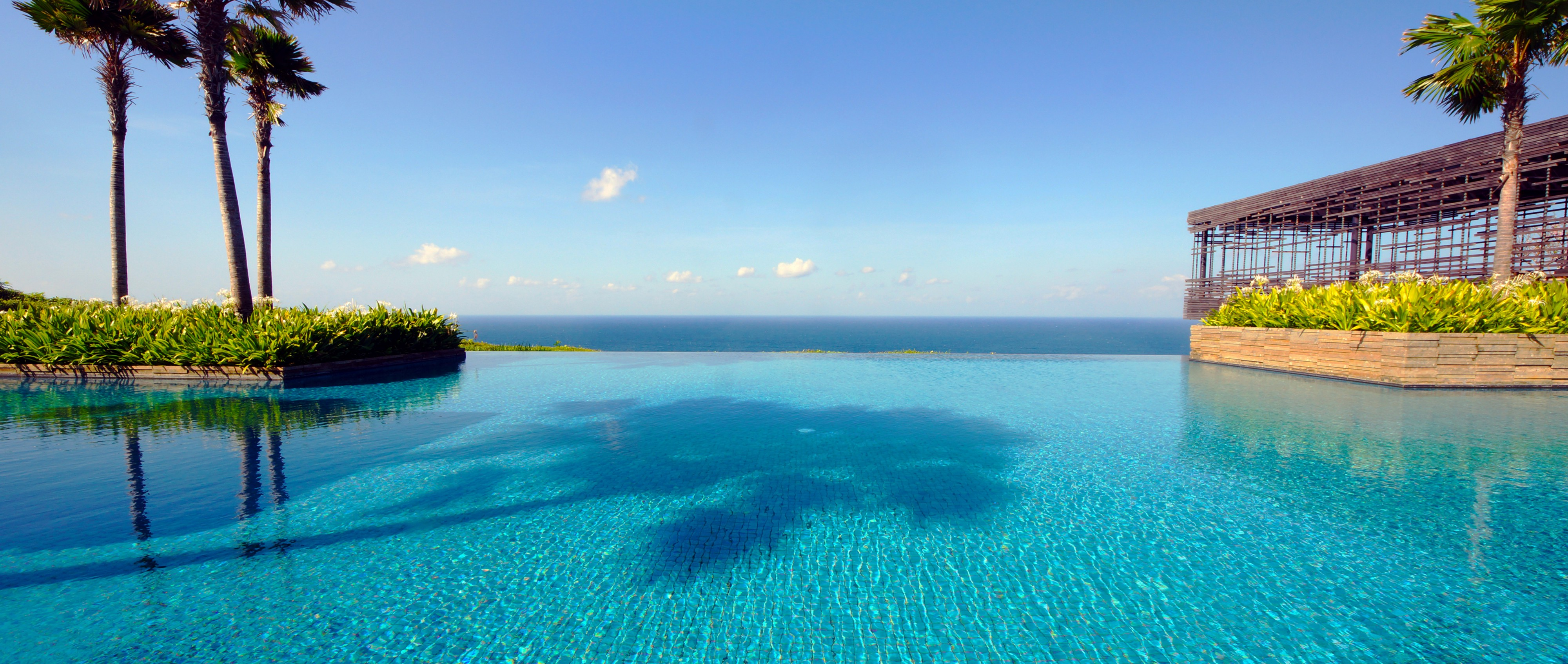 what is a pool distractions are a nuisance but infinity pools are the real problem 4239