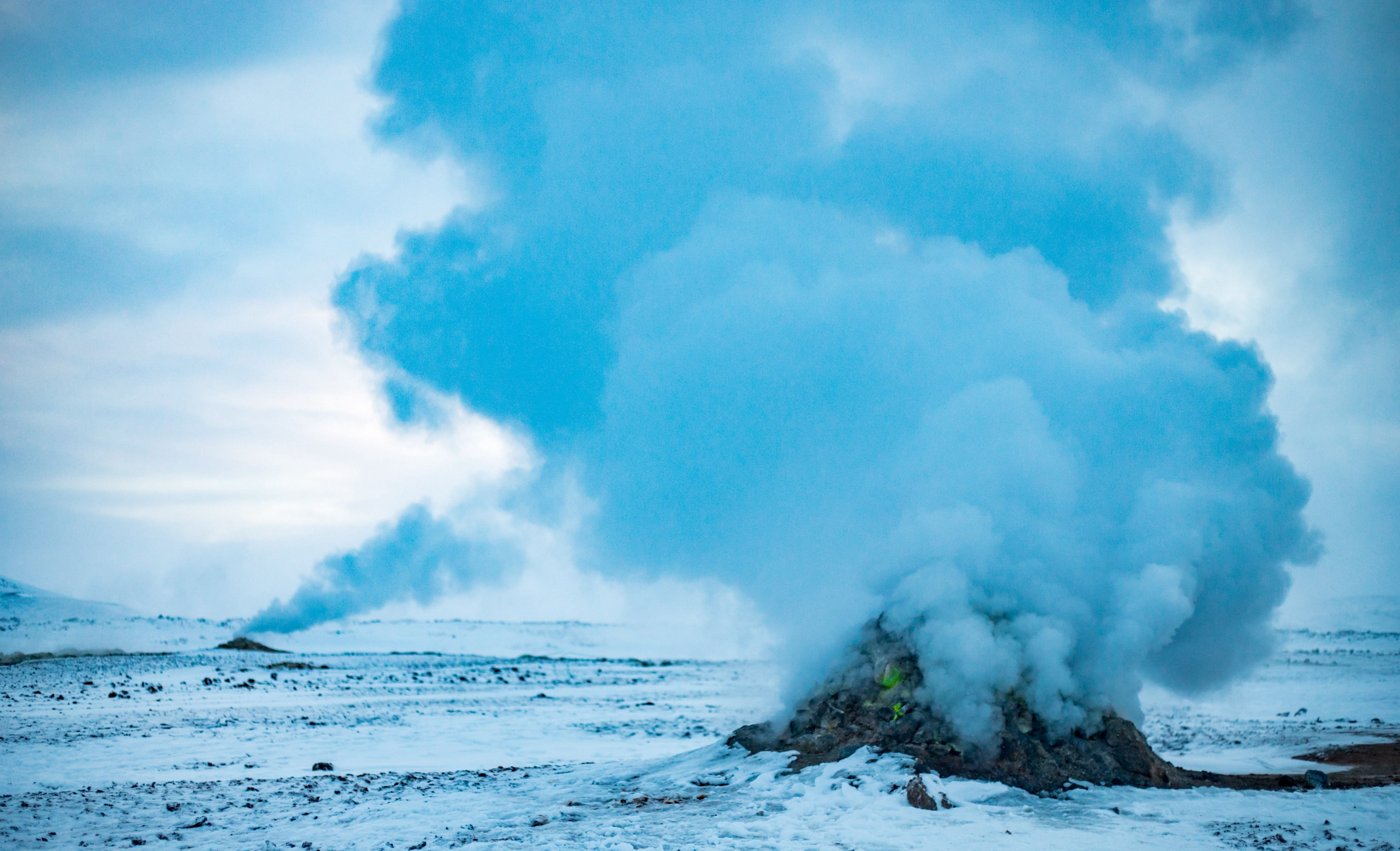 Blowing off steam from below the earth, Geyser