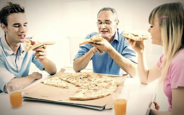 4 Dangerous Side Effects Of Eating Pizza
