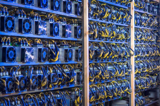 Bitcoin Mining Difficulty Drops 5% After China Suspends Mining Activities in Some Regions