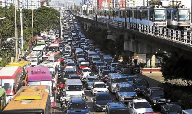 Daily traffic on EDSA in Manila, Philippines (photo c/o Philippine Daily Inquirer)