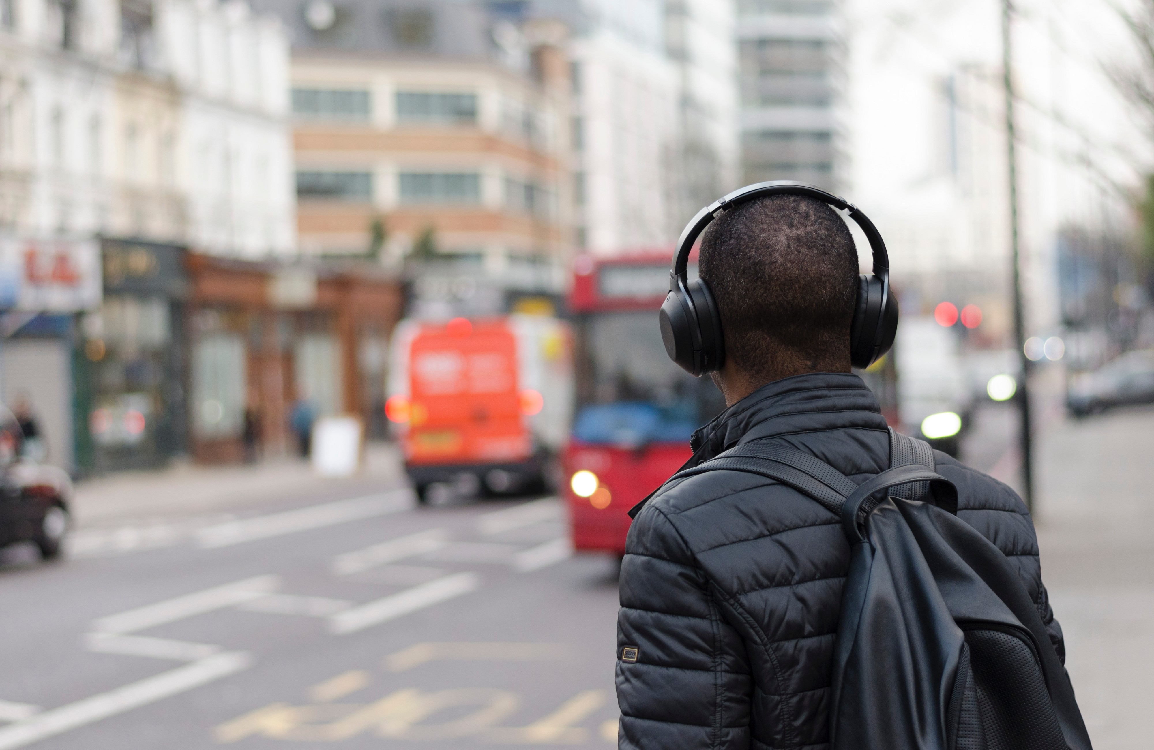 10 Must-Listen to Podcasts For Boosting Daily Productivity