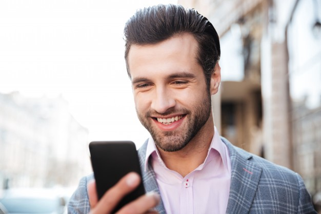 how to flirt with a girl over text