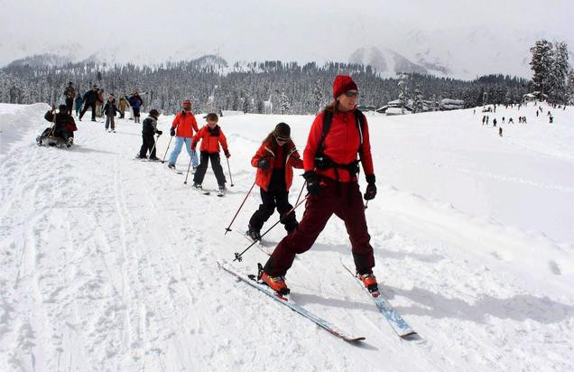 Conquer The Snow At These Top 10 Skiing Destinations In India