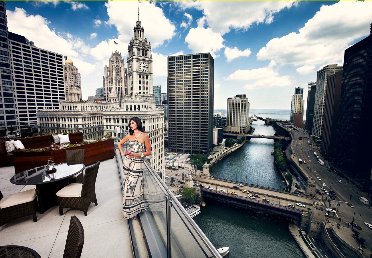 Airport Limo Service to Chicago Hotels and Tours, Limousine Service Chicago
