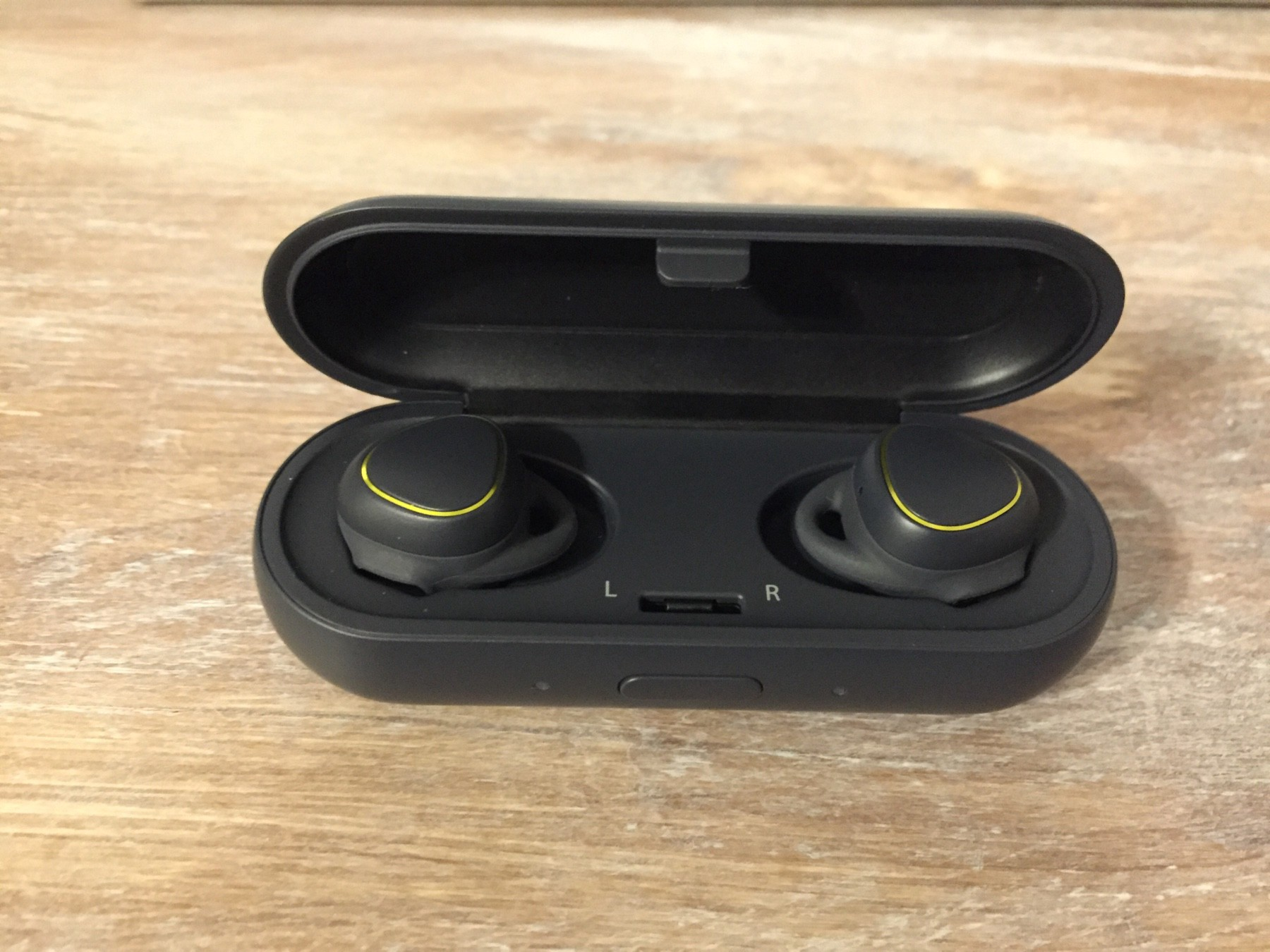 Using the Samsung IconX Earbuds With An iPhone - Nathan