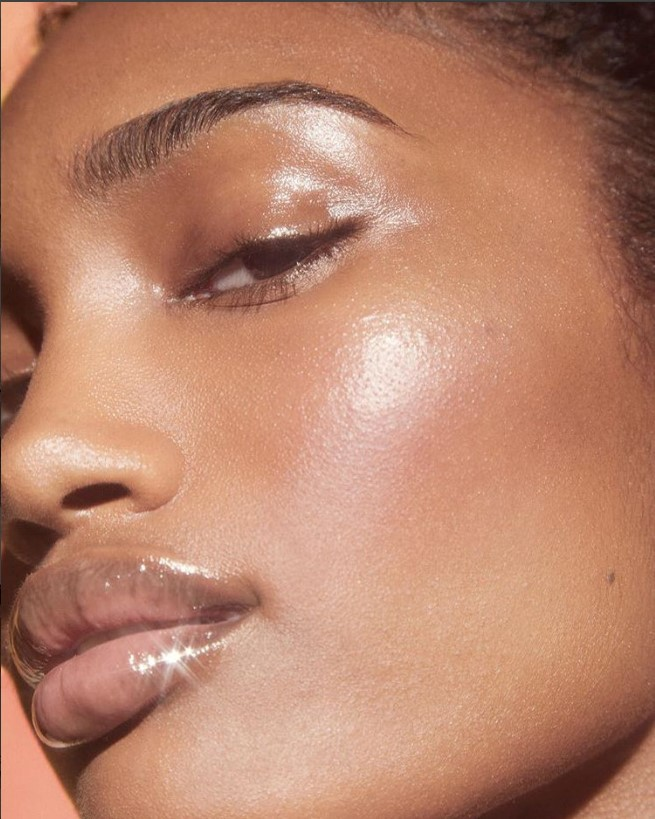 How To Get That Glossier Look In 5 Quick Steps , Sibi