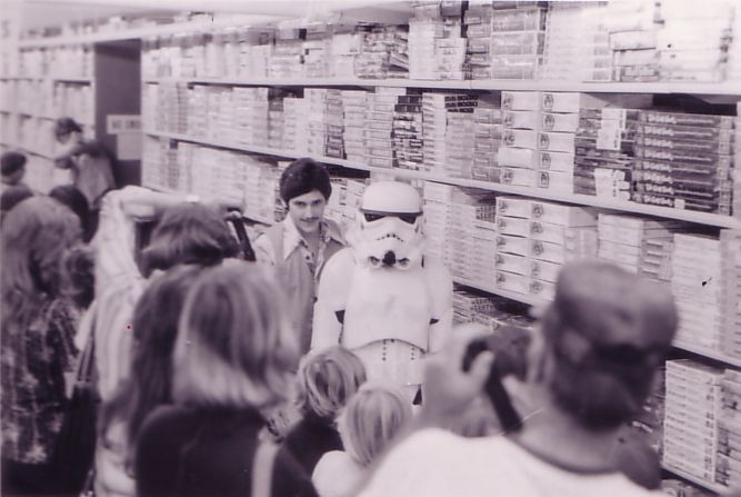 Storm Trooper : Star Wars Visits Toy's R Us In Torrance, CA, Fall 1977