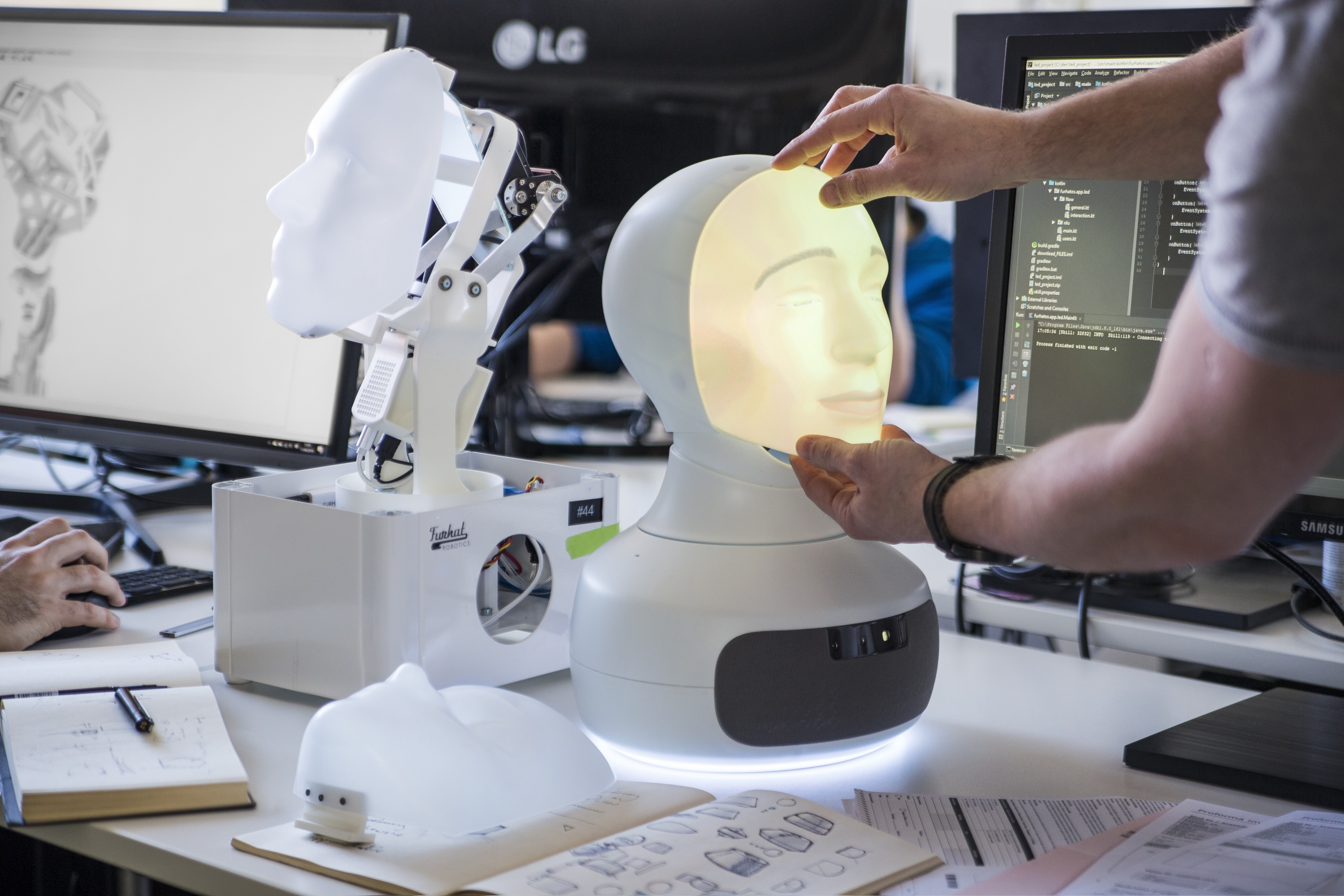 Changing the face of the robot