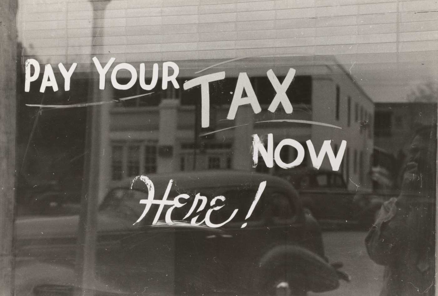 tax and old new york photo