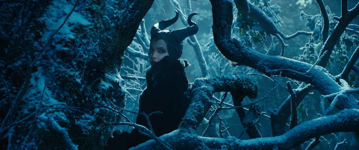 Disney goes to dark places in MALEFICENT - Cinapse