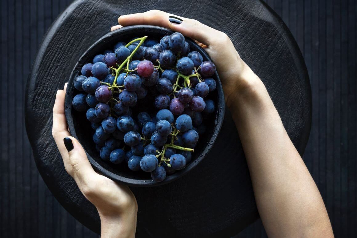 Grapes: 8 Health Benefits & How to Eat More of Them