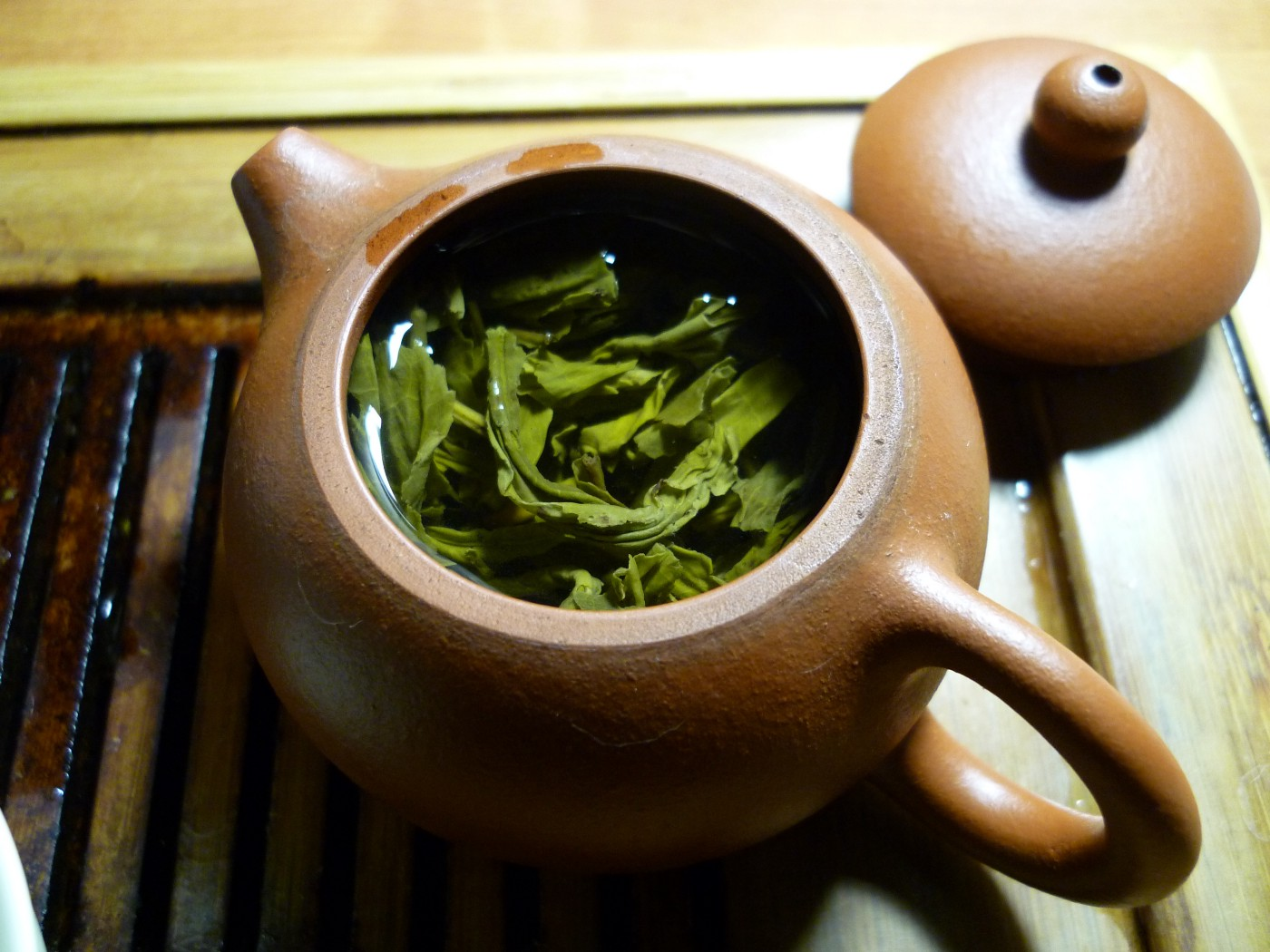 The Phenomenal Benefits of Green Tea Include Alertness and Weight Loss by Nancy Blackman. herbs. herbal medicine. tea. green tea. chinese teas.
