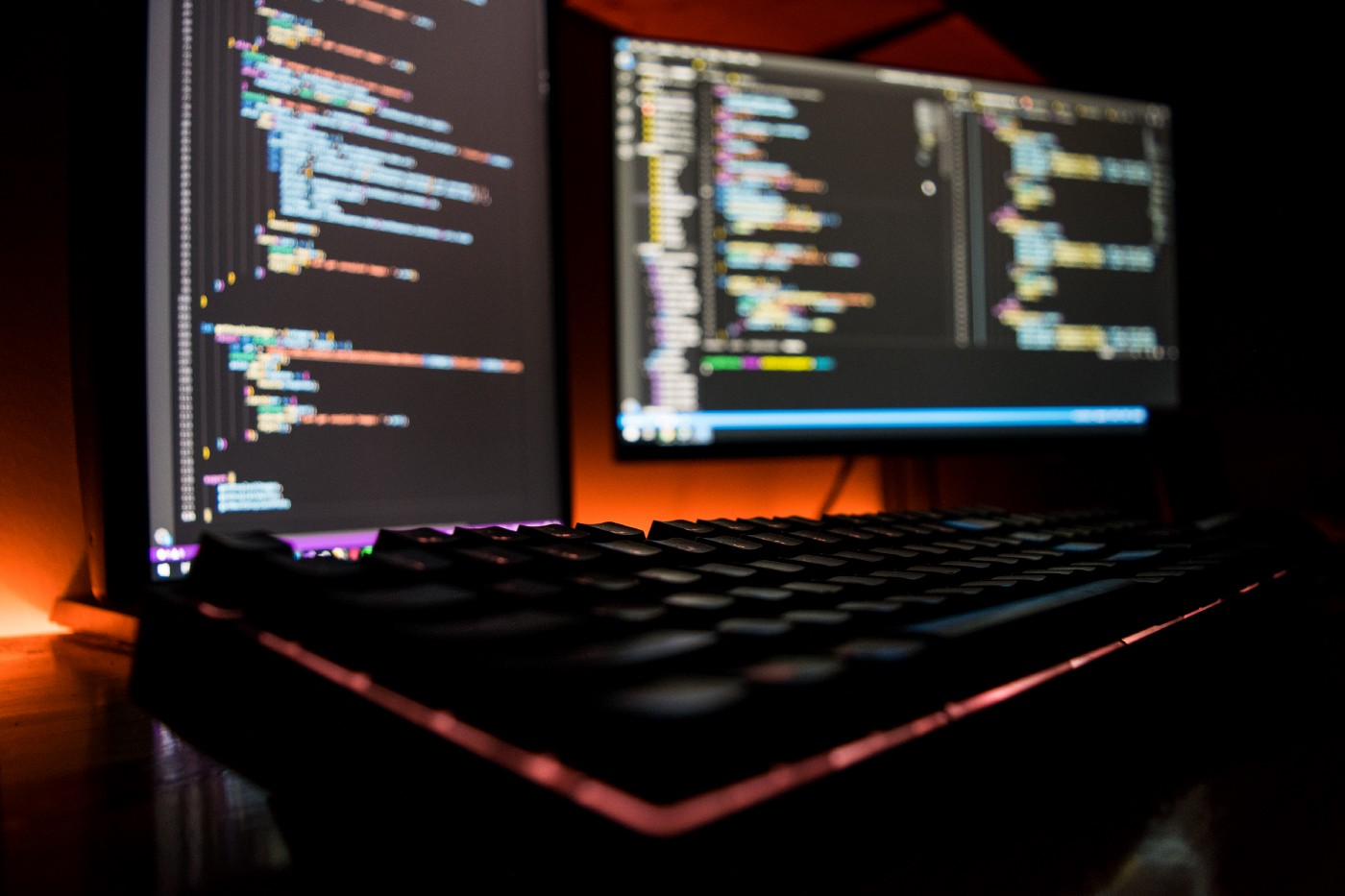 A picture of programming environment on a desktop