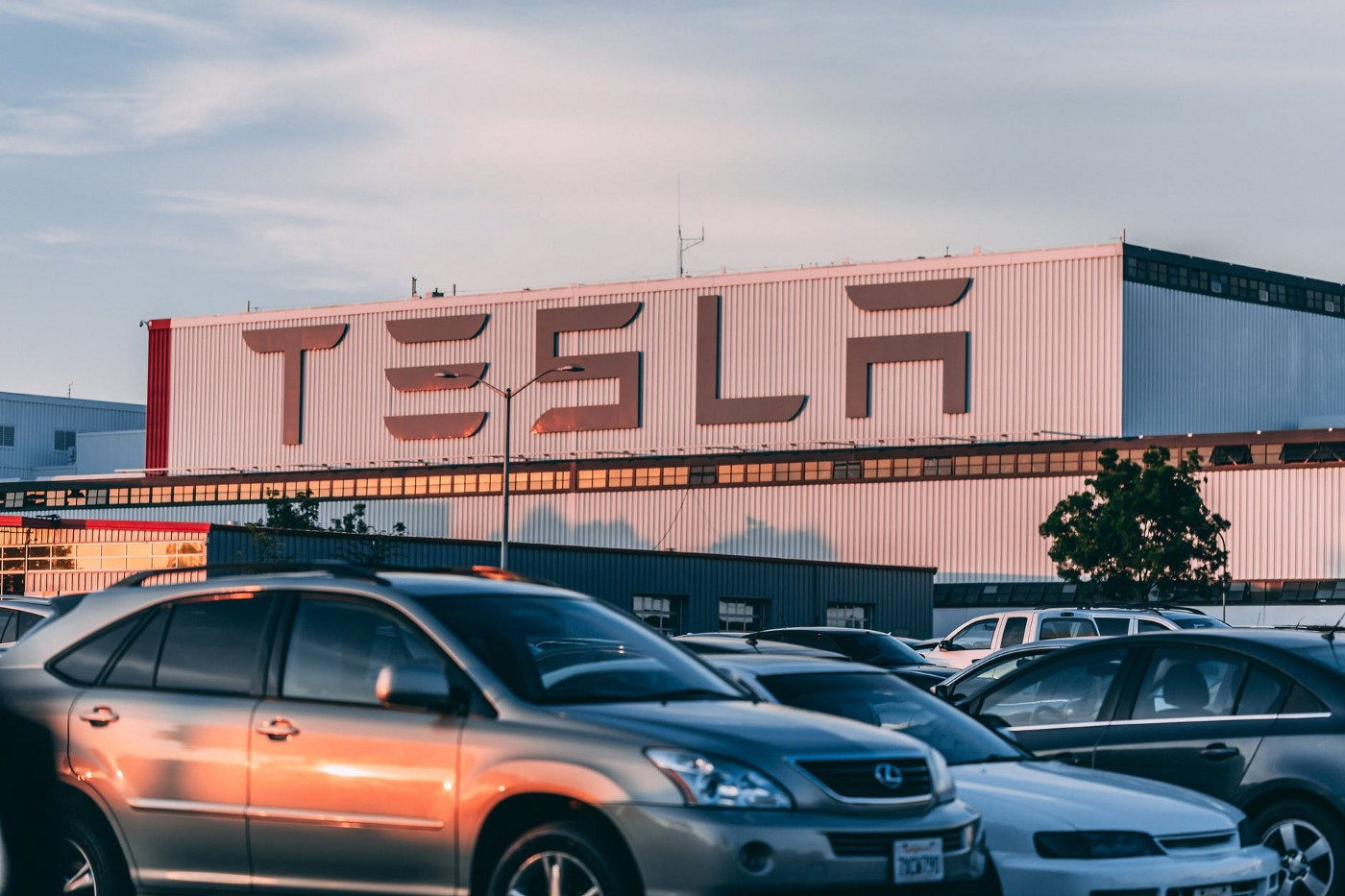What makes tesla different