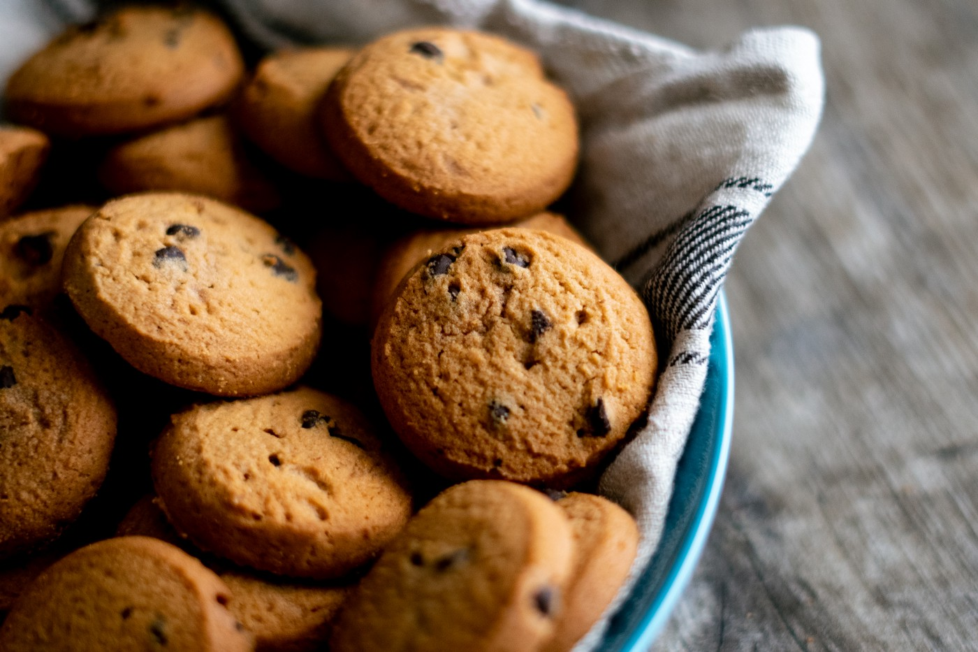 A plate of delicious chocolate chip cookies.