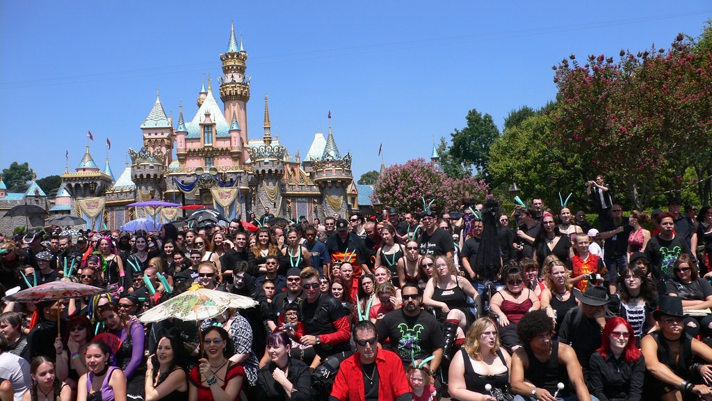 """Group photo in front of the castle at Disneyland's goth day, """"Bat's Day in the Fun Park,"""" August 2006."""